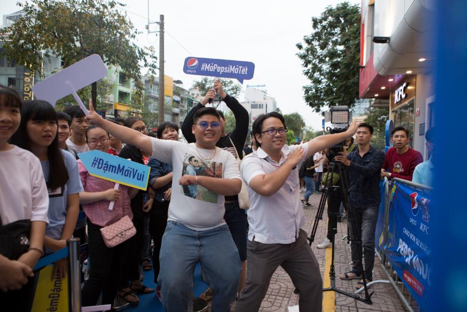 """Thật bất ngờ: Pepsi Muối ra mắt hoành tráng khiến người hâm mộ ví như """"iPhone"""" của làng nước giải khát - Ảnh 4."""