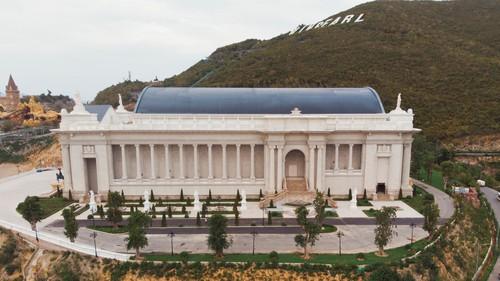 Nhà hát theo phong cách châu Âu sắp khai trương.