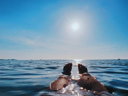Nắng, gió, biển và em