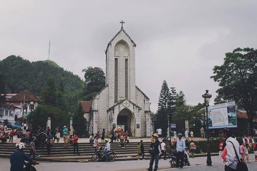 [Sapa] - Nhà thờ đá