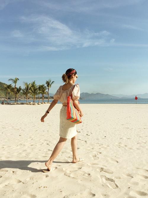 Hãy chọn cho mình thật nhiều góc sống ảo để lũ bạn ở nhà có đứa thèm đi du lịch như bạn nhé.