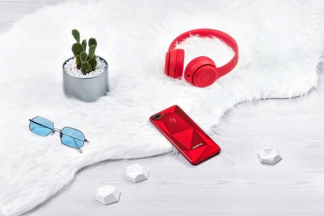 Realme xác nhận sẽ có ít nhất hai sản phẩm mở bán trong tháng 10 tại thị trường VN: Realme 2 và Realme 2 Pro - Ảnh 1.