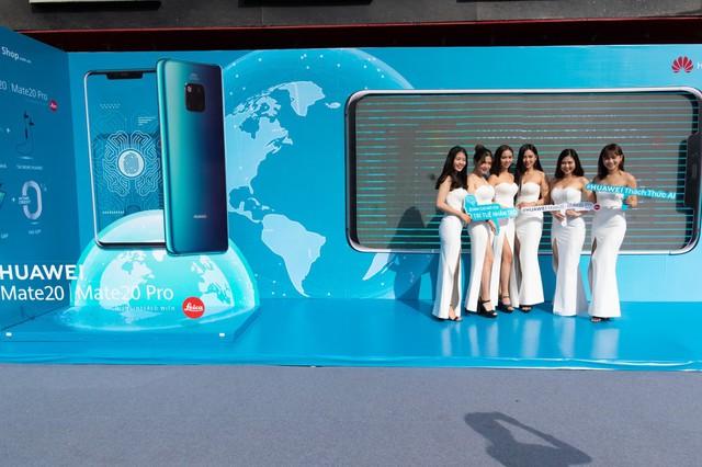 Mate 20 & Mate 20 Pro chính thức lên kệ, Huawei Store mới tại Việt Nam tốt nhất Đông Nam Á - Ảnh 1.
