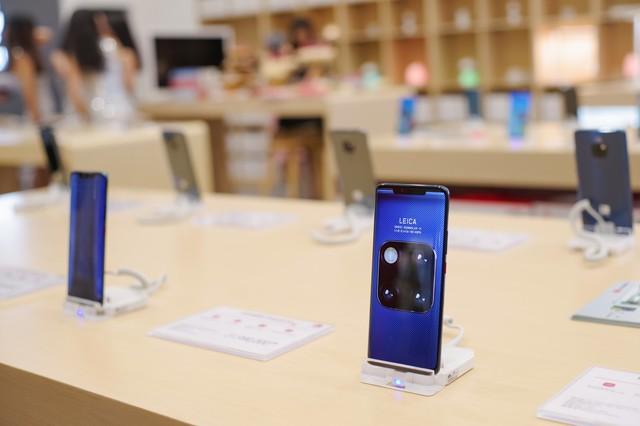 Mate 20 & Mate 20 Pro chính thức lên kệ, Huawei Store mới tại Việt Nam tốt nhất Đông Nam Á - Ảnh 4.