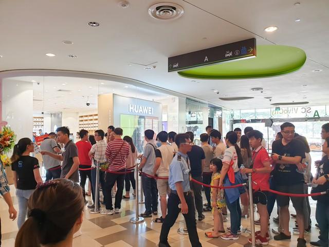 Mate 20 & Mate 20 Pro chính thức lên kệ, Huawei Store mới tại Việt Nam tốt nhất Đông Nam Á - Ảnh 6.