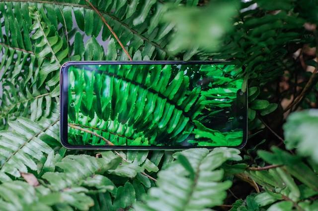 Phải cầm trên tay mới thấy Huawei Nova 3i phiên bản Trắng ngọc trai khác biệt với các smartphone màu trắng khác như thế nào - Ảnh 8.
