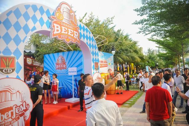 Bia thủ công Dinkelacker - Hãng bia gia đình truyền thống tại Đức - Ảnh 2.