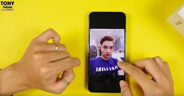 """Cộng đồng YouTuber Việt phát cuồng vì cụm camera """"sang, xịn, mịn"""" của vivo V17 Pro - Ảnh 1."""