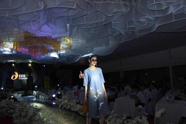 Tập đoàn CEO Việt Nam tổ chức Fashion show nhân ngày Doanh nhân Việt Nam - Ảnh 5.