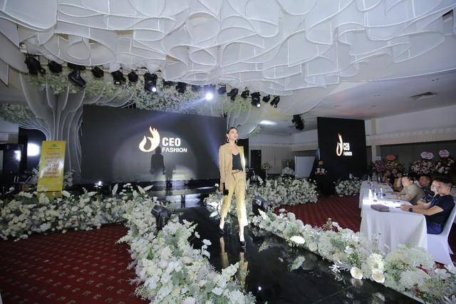 Tập đoàn CEO Việt Nam tổ chức Fashion show nhân ngày Doanh nhân Việt Nam - Ảnh 9.