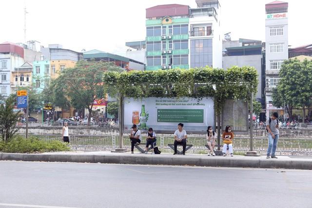 """Độc đáo những """"trạm dừng xanh giữa lòng phố cổ Hà Nội - Ảnh 2."""