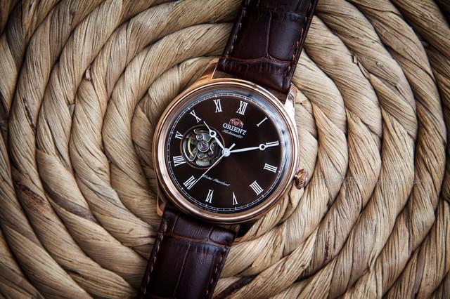 Tưởng đồng hồ Orient Caballero có gì hay, hóa ra là vậy - Ảnh 1.