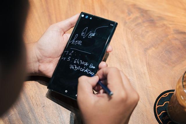 Nghe hai iFan lâu năm chia sẻ câu chuyện dám thay đổi với Galaxy Note10 - Ảnh 2.
