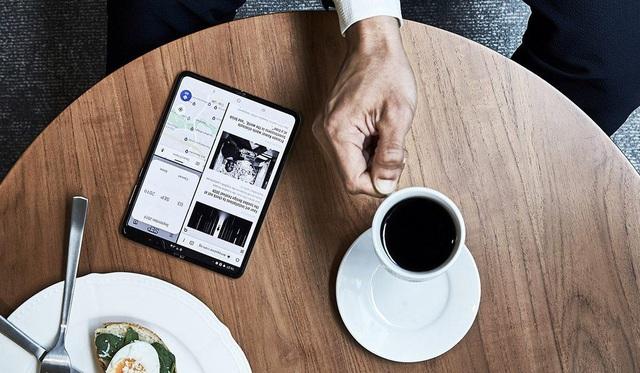 Galaxy Fold - biểu tượng mới của smartphone siêu cao cấp ở Việt Nam - Ảnh 3.