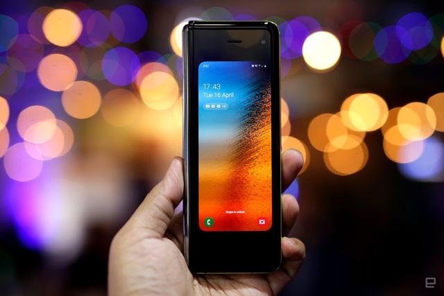 Mức giá là một chuyện, Galaxy Fold sẽ là smartphone dành cho giới thượng lưu nhờ những điểm khác biệt - Ảnh 1.