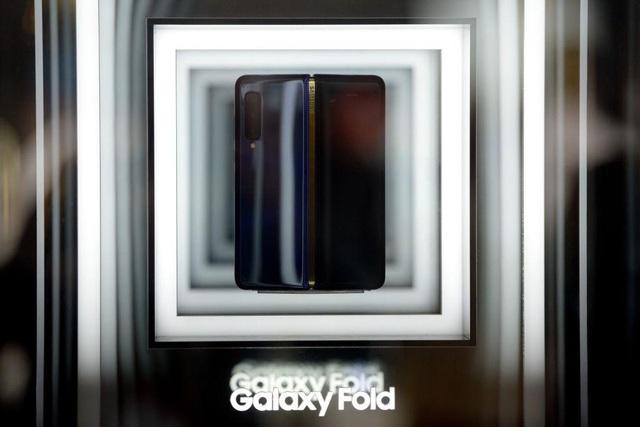 Mức giá là một chuyện, Galaxy Fold sẽ là smartphone dành cho giới thượng lưu nhờ những điểm khác biệt - Ảnh 2.