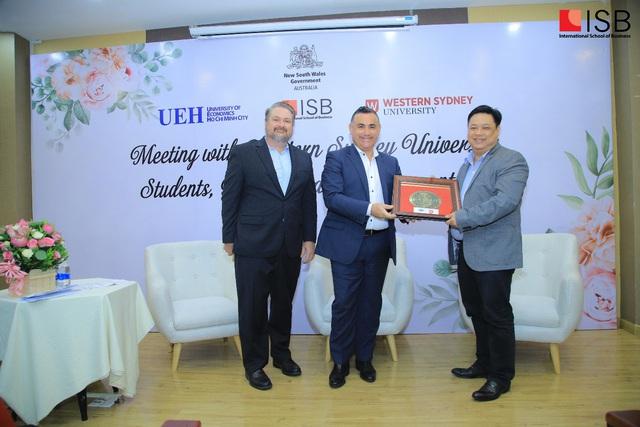 Lãnh đạo New South Wales bất ngờ với ASEAN Hub của ĐH Western Sydney - Ảnh 1.
