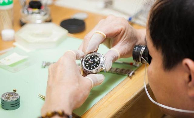 Sửa đồng hồ đeo tay và 5 ngộ nhận kinh hoàng phải tránh - Ảnh 1.
