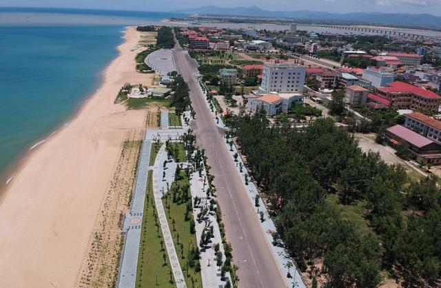 Dải đất ven biển Phú Yên lấp đầy các dự án nghìn tỷ - Ảnh 1.