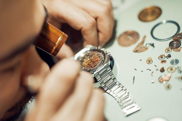 Sửa đồng hồ đeo tay và 5 ngộ nhận kinh hoàng phải tránh - Ảnh 3.