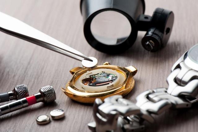 Sửa đồng hồ đeo tay và 5 ngộ nhận kinh hoàng phải tránh - Ảnh 5.