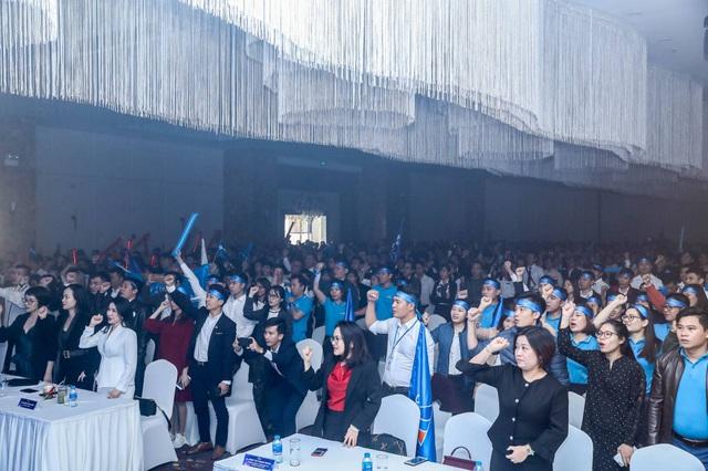 """Hơn 1000 """"chiến binh"""" tham dự lễ ra quân dự án Mipec Rubik360 - Ảnh 1."""