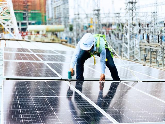 """Tại sao nhiều dự án điện mặt trời lựa chọn """"Bộ đôi siêu chuyển đổi"""" của DAT Solar? - Ảnh 1."""