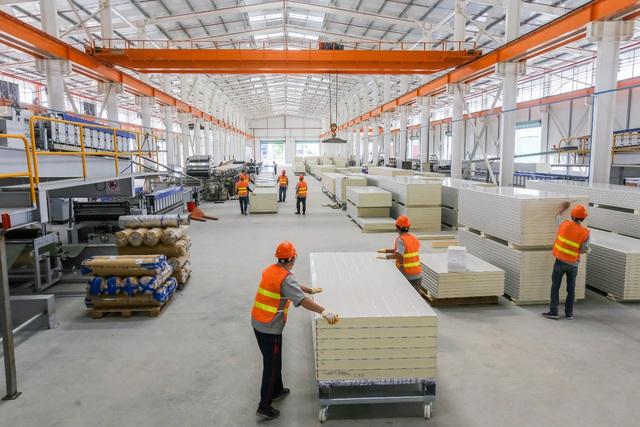 Nhà máy công suất hơn 10 triệu m2 panel cách nhiệt tại TP HCM - Ảnh 2.