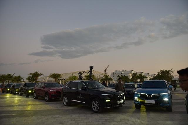 (SỐNG) 3 ngày rong ruổi 1.000km chinh phục Hà Giang của gần 100 xe VinFast: Gắn chặt những biểu tượng - Ảnh 1.