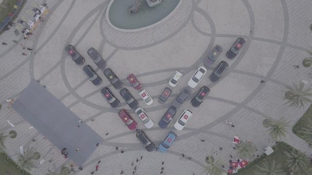(SỐNG) 3 ngày rong ruổi 1.000km chinh phục Hà Giang của gần 100 xe VinFast: Gắn chặt những biểu tượng - Ảnh 2.