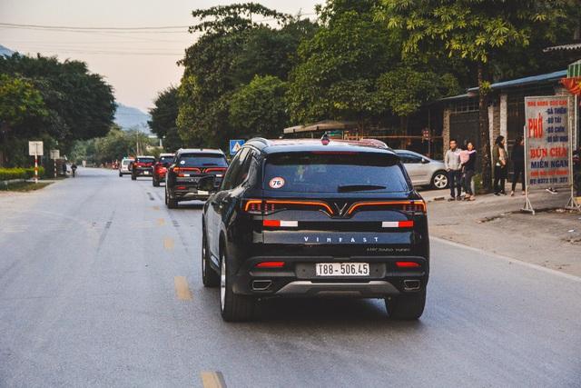 (SỐNG) 3 ngày rong ruổi 1.000km chinh phục Hà Giang của gần 100 xe VinFast: Gắn chặt những biểu tượng - Ảnh 13.
