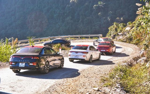 (SỐNG) 3 ngày rong ruổi 1.000km chinh phục Hà Giang của gần 100 xe VinFast: Gắn chặt những biểu tượng - Ảnh 14.