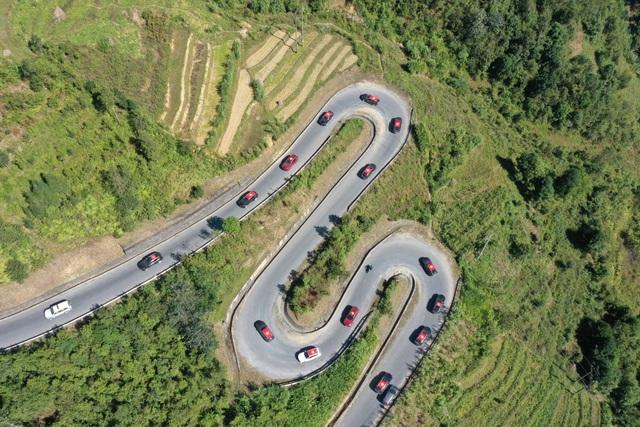 (SỐNG) 3 ngày rong ruổi 1.000km chinh phục Hà Giang của gần 100 xe VinFast: Gắn chặt những biểu tượng - Ảnh 16.