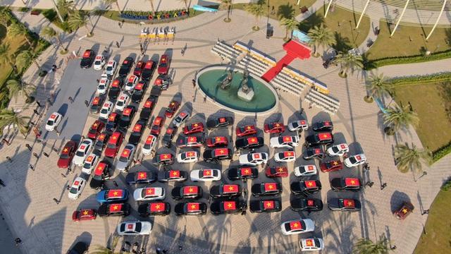 (SỐNG) 3 ngày rong ruổi 1.000km chinh phục Hà Giang của gần 100 xe VinFast: Gắn chặt những biểu tượng - Ảnh 3.