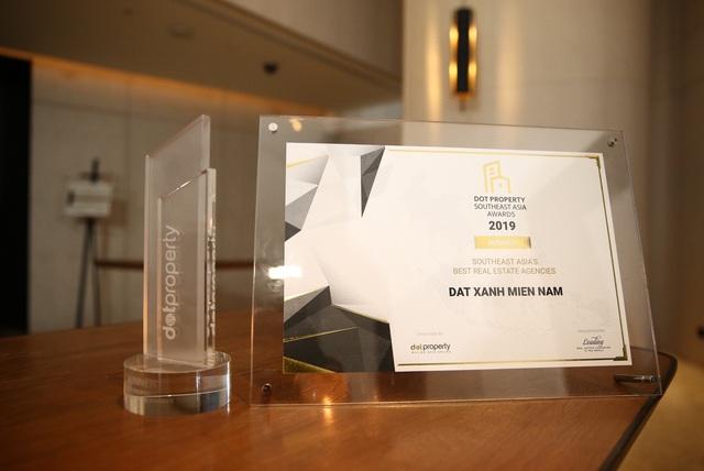 Tổng công ty Đất Xanh Miền Nam tưng bừng đón nhận giải thưởng lớn trong ngày kỷ niệm 10 năm thành lập - Ảnh 1.