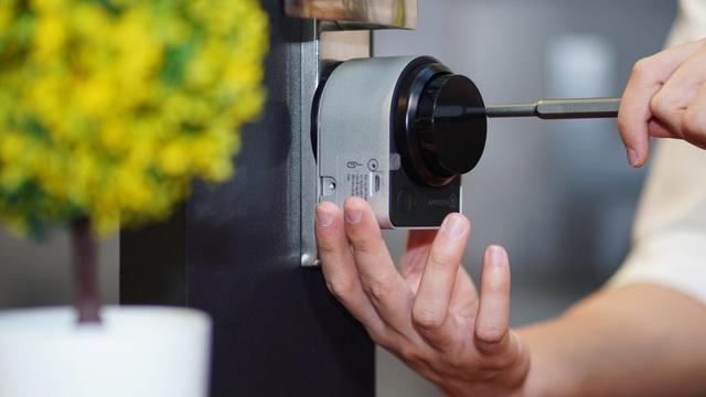 Cận cảnh sản phẩm khóa biến mọi khóa cửa thông thường thành khóa thông minh của AppotaHome - Ảnh 2.