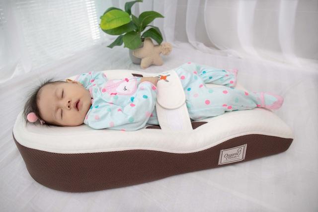 Bố mẹ cực kì lưu ý: Ba sai lầm khi ngủ có thể khiến trẻ cong vẹo cột sống - Ảnh 3.