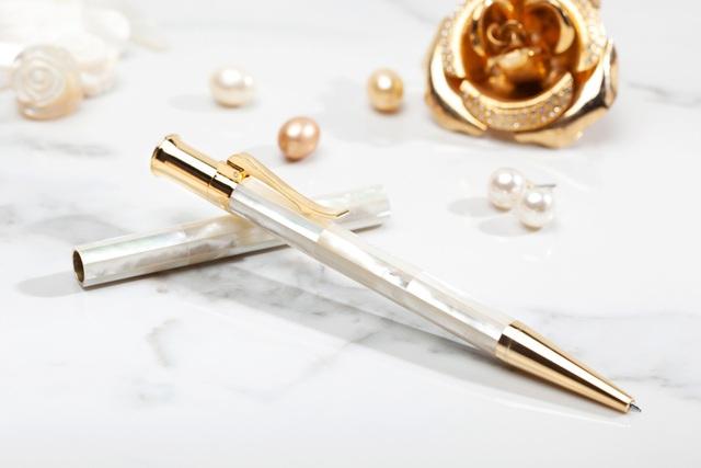 Bút Ngọc Trai Quà Tặng Doanh Nghiệp