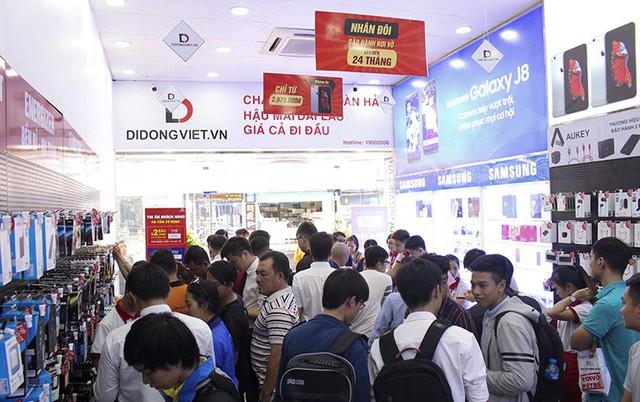 Nhạc sĩ Dương Khắc Linh đặt mua Galaxy S10 Plus tại Di Động Việt tặng Sara Lưu dịp 8/3 - Ảnh 4.