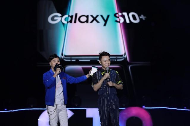 Toàn cảnh Đại Tiệc Công Nghệ - Tạo Khác Biệt: Tín đồ công nghệ tận tay trải nghiệm siêu phẩm Galaxy S10 S10+ và tận hưởng đêm nhạc khó quên - Ảnh 12.