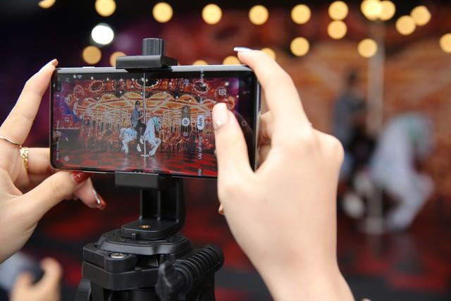 Toàn cảnh Đại Tiệc Công Nghệ - Tạo Khác Biệt: Tín đồ công nghệ tận tay trải nghiệm siêu phẩm Galaxy S10 S10+ và tận hưởng đêm nhạc khó quên - Ảnh 4.