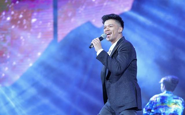 Samsung ra mắt TV QLED 8K đầu tiên trên thế giới ngay tại Việt Nam với đêm đại nhạc hội hoành tráng - Ảnh 7.