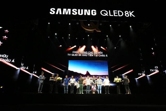Samsung ra mắt TV QLED 8K đầu tiên trên thế giới ngay tại Việt Nam với đêm đại nhạc hội hoành tráng - Ảnh 2.
