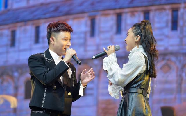 Samsung ra mắt TV QLED 8K đầu tiên trên thế giới ngay tại Việt Nam với đêm đại nhạc hội hoành tráng - Ảnh 8.