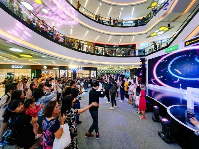 Giới trẻ Sài Gòn hào hứng trải nghiệm OPPO F11 và F11 Pro - Ảnh 6.