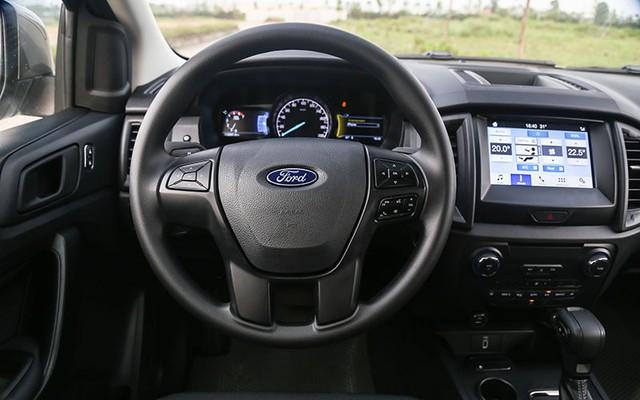 Hai CEO kinh doanh vận tải đánh giá SUV 7 chỗ Ford Everest Ambiente AT - Ảnh 2.