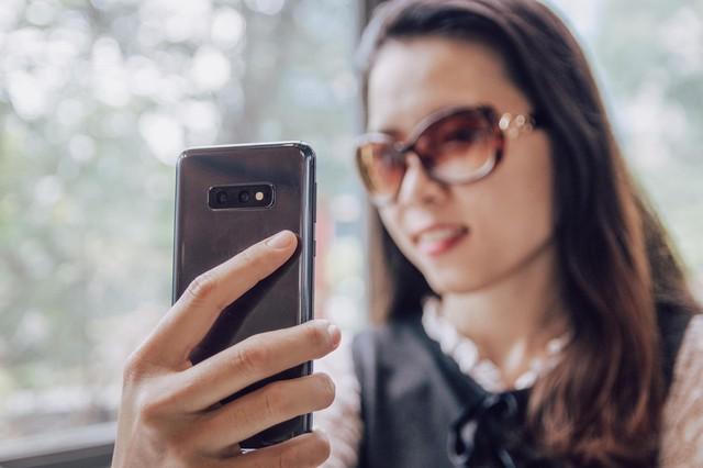 Đi ngược xu hướng: đổi từ điện thoại màn lớn sang màn nhỏ, tự dưng lại thấy hấp dẫn - Ảnh 2.