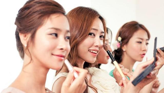 Ngành làm đẹp: Xu hướng trang điểm Hàn Quốc 2019 - Ảnh 1.