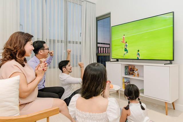 Smartphone là vật dụng cá nhân, chỉ có chiếc TV mới là món đồ giải trí cho cả nhà đúng nghĩa - Ảnh 1.