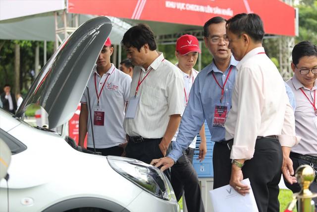 VinFast bàn giao hàng trăm xe Fadil, lập kỷ lục tại Việt Nam - Ảnh 7.